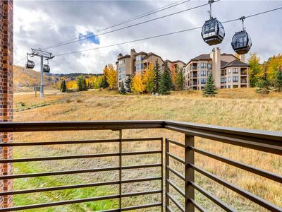 Photo for Top Floor Ski-In/Ski-Out Condo, Private Balcony, Access to Hot Tub and Pool On-Site