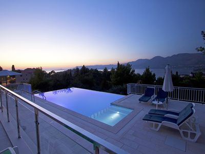 Photo for Villa with swimming pool and sea view of Cavtat bay and Dubrovnik