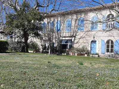 Photo for Autentic charm in the heart of the Alpilles