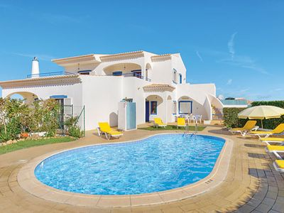 Photo for Conveniently located 5 bedroom Villa w/pool, great for large groups!