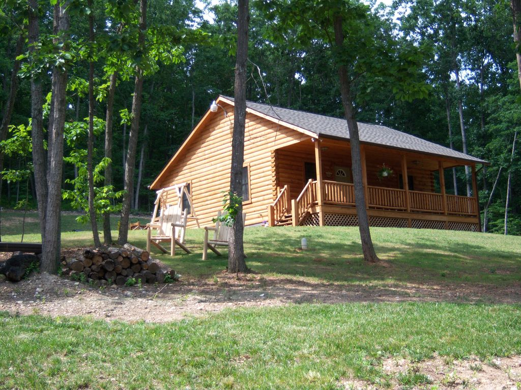 Log cabin for couples and family friendly in the for Shenandoah valley romantic cabins