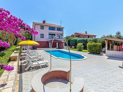Photo for Apartment HOUSE SILVA  in Pula/Banjole, Istria - 6 persons, 2 bedrooms