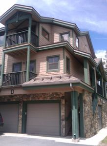 Twin Elks Lodge D16 Townhouse. Private Heated Garage.