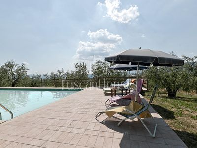 Photo for La Fortezza - Private Pool free wifi, very close to Folrence