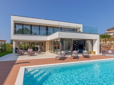Photo for Holiday house Rovinj for 8 - 10 persons with 4 bedrooms - Holiday house