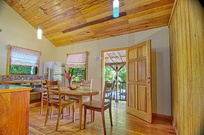 Enjoy meals in this lovely Belize cabin for rent.