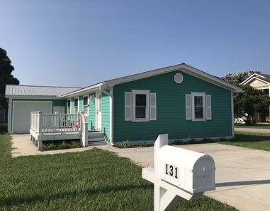"""""""Salty Paws"""" Pet Friendly Beach vacation home"""