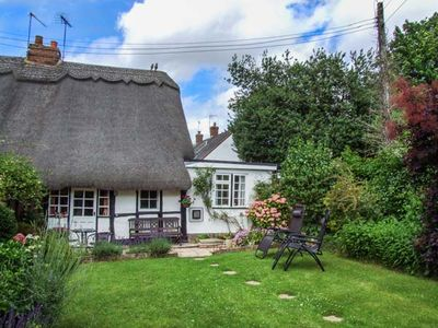 Photo for APPLE TREE COTTAGE, with open fire in Harvington, Ref 928555