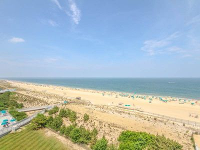 Photo for F809: 2BR+den Sea Colony Oceanfront Condo! Pools, Private Beach, Tennis ...