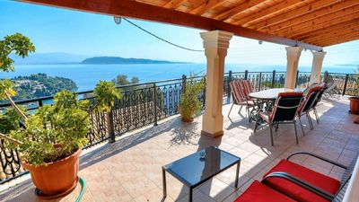 Photo for Cottage with terrace and sea view