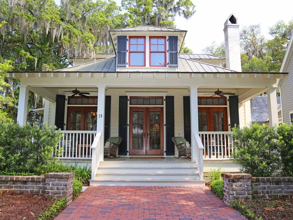 Palmetto bluff resort village home enjoy c vrbo for Best village house designs