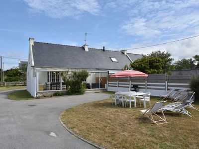 Photo for Beautiful holiday home with large garden 100 metres from the beach!