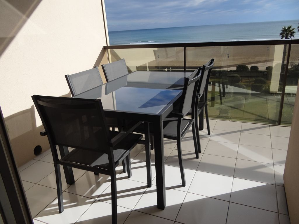 CANET Sud, T2 LUXUEUX climatisé, VUE MER - DIRECT PLAGE, wifi, parking, piscine