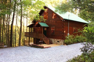 Luxurious Fightingtown Creek Cabin, 2 King Suites, Nestled Among Trees -  Epworth