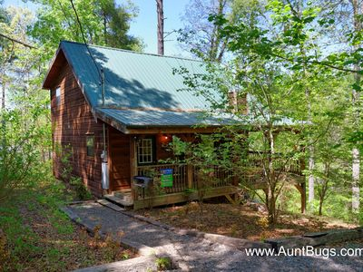 Photo for Beautiful Waterfall within walking distance of 1 bedroom cabin Pigeon Forge area