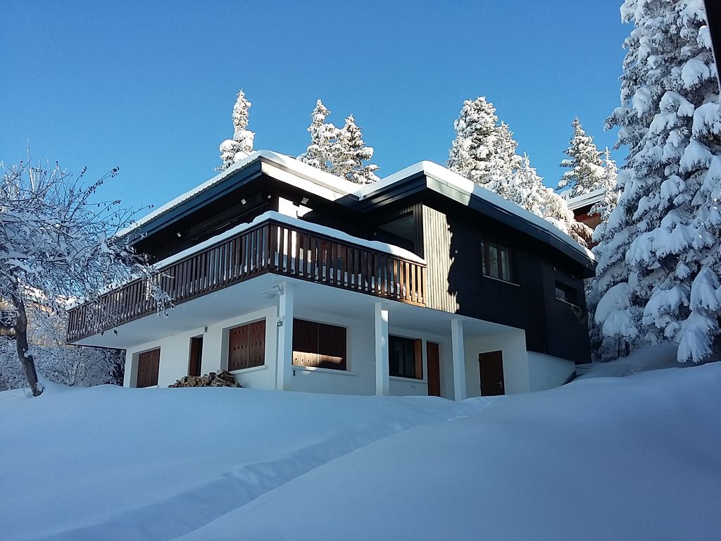 Chalet a Chamrousse 1750, Roche Beranger, (Isere) independant, calme, spacieux.