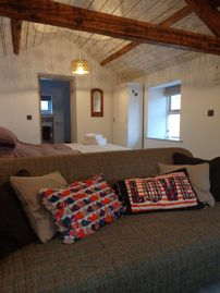 4* Romantic hideaway, beautifully restored bothy, bed and breakfast, Ullswater