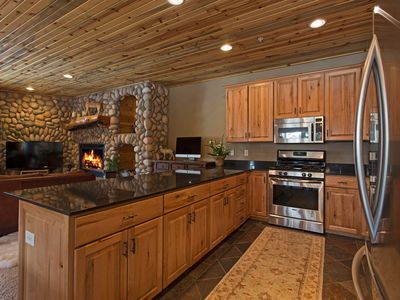 Photo for Rustic Mountain Charm at The Canyons