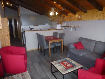 Photo for Comfortable 2-bedroom apartment, 3* for 4 people located in the centre of the resort, at about 350 m