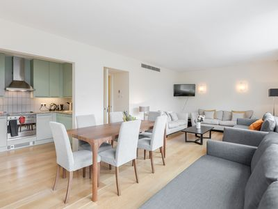 Photo for Stunning flat 1 minute from Tower Bridge!