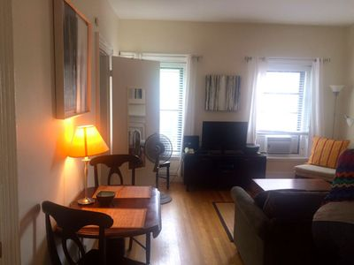 Quiet and sunny Top floor one bedroom apartment by Copley Square