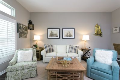 Nicely decorated Living area with sofa sleeper