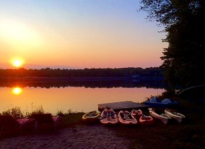 In summer feel free to use our kayaks, standup paddleboards, paddle & row boats.