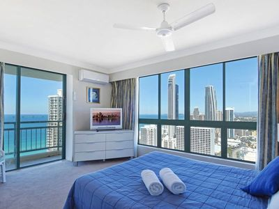 Photo for CROWN TOWERS 2 BEDROOM PLUS FAMILY APT