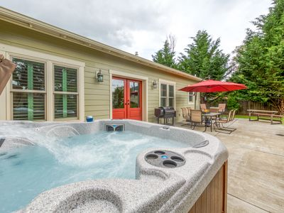 Photo for NEW LISTING - Updated & spacious Wine Country home with private hot tub!