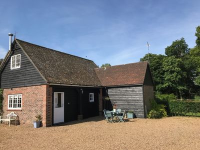 Photo for Beautifully located converted coach house near Rye.
