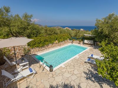 Photo for Family Friendly Charming Cottage with private pool