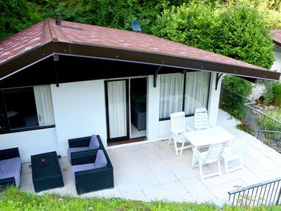 Photo for Bungalow with private terrace in the town of Sunclass - ideal for families.