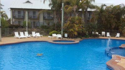 College Grove holiday accommodation: Houses & more | HomeAway