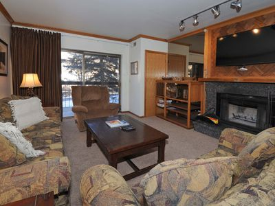 Photo for Premier proximity to Main Street/Town Lift, Pool, Hot tub, Wood Fireplace, A/C