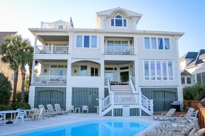 Oceanfront Mansion On Beach Pool