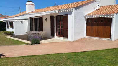 Photo for House for 6 people, verdant scenery, 200 m from the sea. Garden. Very quiet.