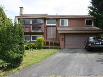 Photo for Close to skytrain 3 bedrooms upper bright and clean