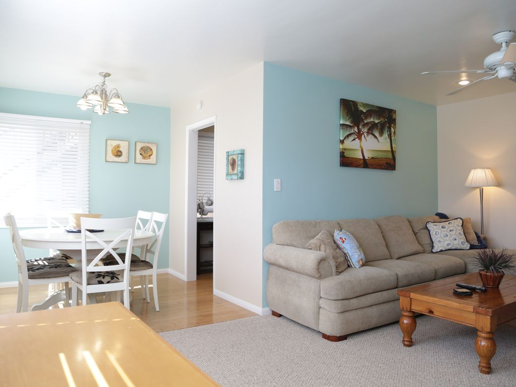 Steps to the beach and boardwalk! + Bikes,... - VRBO