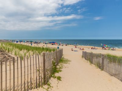 Photo for Cozy seaside escape w/ a full kitchen, furnished balcony, & easy beach access