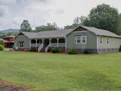 Photo for Deep Creek Apt#2, 2Bd/2Ba, A+ location just a mile from Nat Park, Train, Bryson