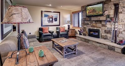 Bear Claw 205 Platinum Rated on Mountain Condo with Ski-In/Ski-Out Access!