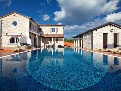 Photo for Holiday house Svetvinčenat for 8 - 10 persons with 4 bedrooms - Holiday apartment