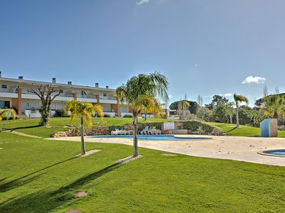 Photo for Stylish Holiday Home in Vila Branca, Branqueira, Albufeira