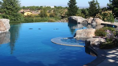 Photo for Private Guest House, Sleeps 6, Infinity Pool, Jacuzzi, Pet-Friendly, Wineries