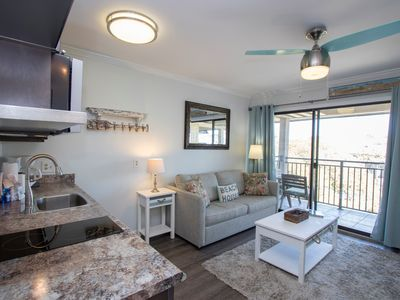 Cozy ocean view villa steps to the beach, dining & shopping