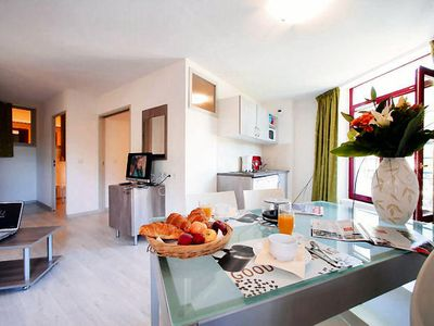 Photo for Terres de France - Appart'Hotel le Splendid - 2 Rooms 4 People