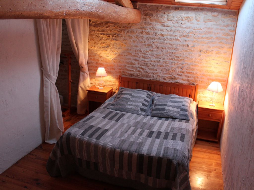 La Rochelle Bedroom Furniture Pacgon 6 Quality Cottages 6 Quality Cottages With Pool 30mns From