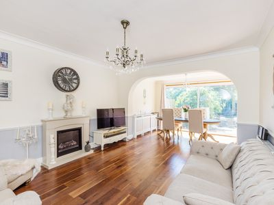 Photo for A beautiful 4 bed London House with Garden