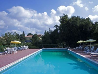 Photo for Beautiful apartment for 4 people with WIFI, pool, pets allowed and parking