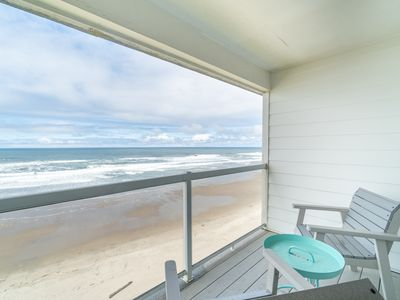 Photo for Enjoy Sweeping Oceanfront Views & Sand from this Affordable 1 Bedroom Condo!